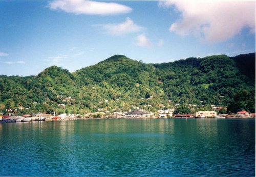 http://www.vokrugsveta.ru/encyclopedia/images/thumb/8/8c/Pago-Pago_Harbor_one_more.jpg/500px-Pago-Pago_Harbor_one_more.jpg