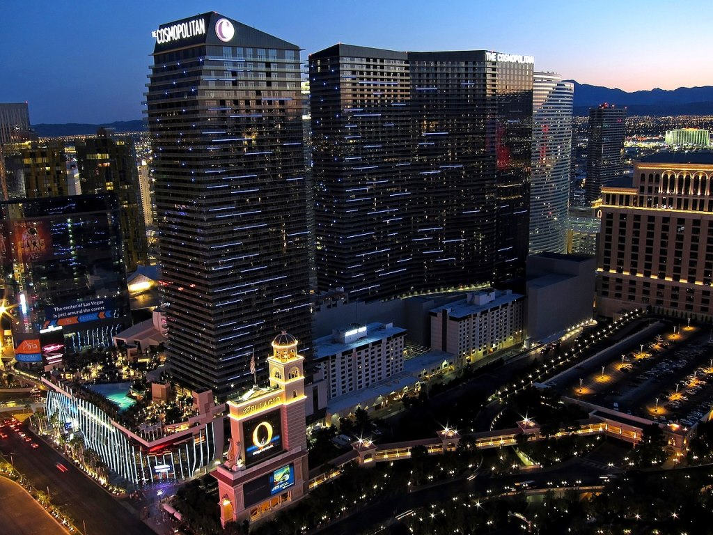 1280px-The_Cosmopolitan_of_Las_Vegas.jpg