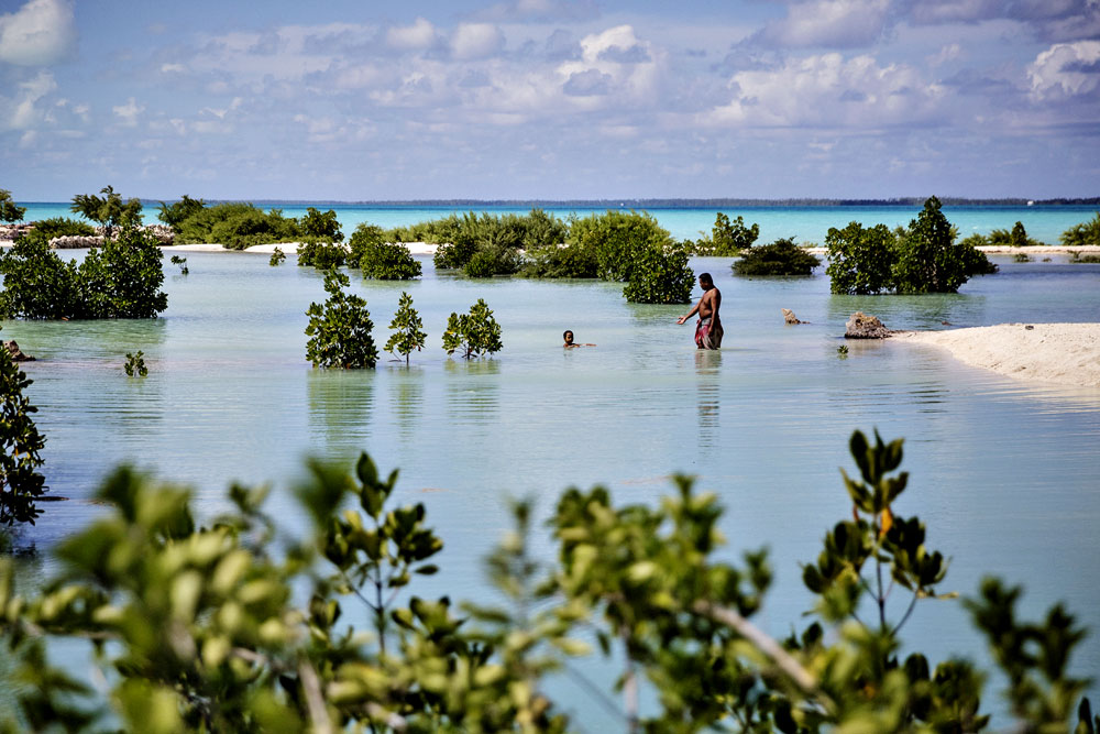 warm_waters_kiribati_031.jpg
