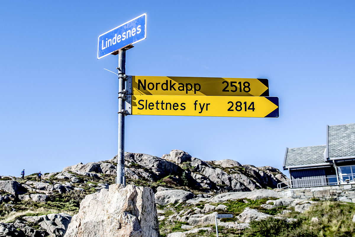 Road-signs-towards-The-Nort.jpg
