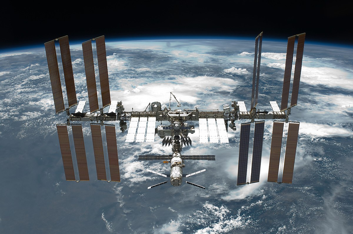 1200px-STS-134_International_Space_Station_after_undocking.jpg