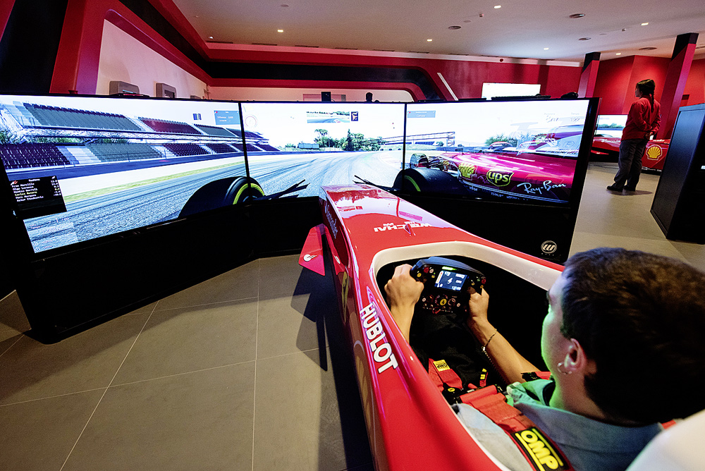 Ferrari-Land_Simulators-(2).jpg